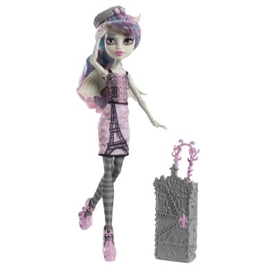 Monster High Travel Doll Rochelle Goyle