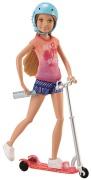 Barbie Stacie med sparkcykel och tillbehör